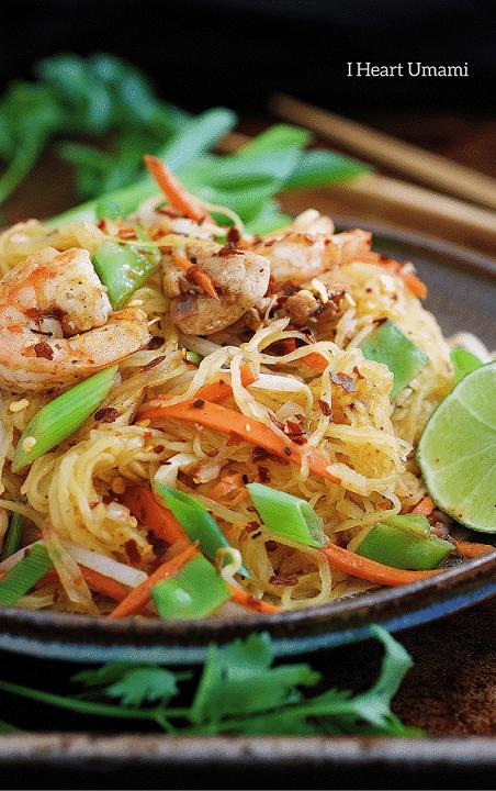 Paleo Pad Thai Noodle Omelette! Stuffed Pad Thai omelette with squash noodles and homemade Pad Thai Sauce ! Paleo Thai recipe. Paleo Asian food. IHeartUmami.com