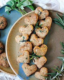 Paleo sweet basil rosemary cookies. Paleo sweets. Paleo cookies.