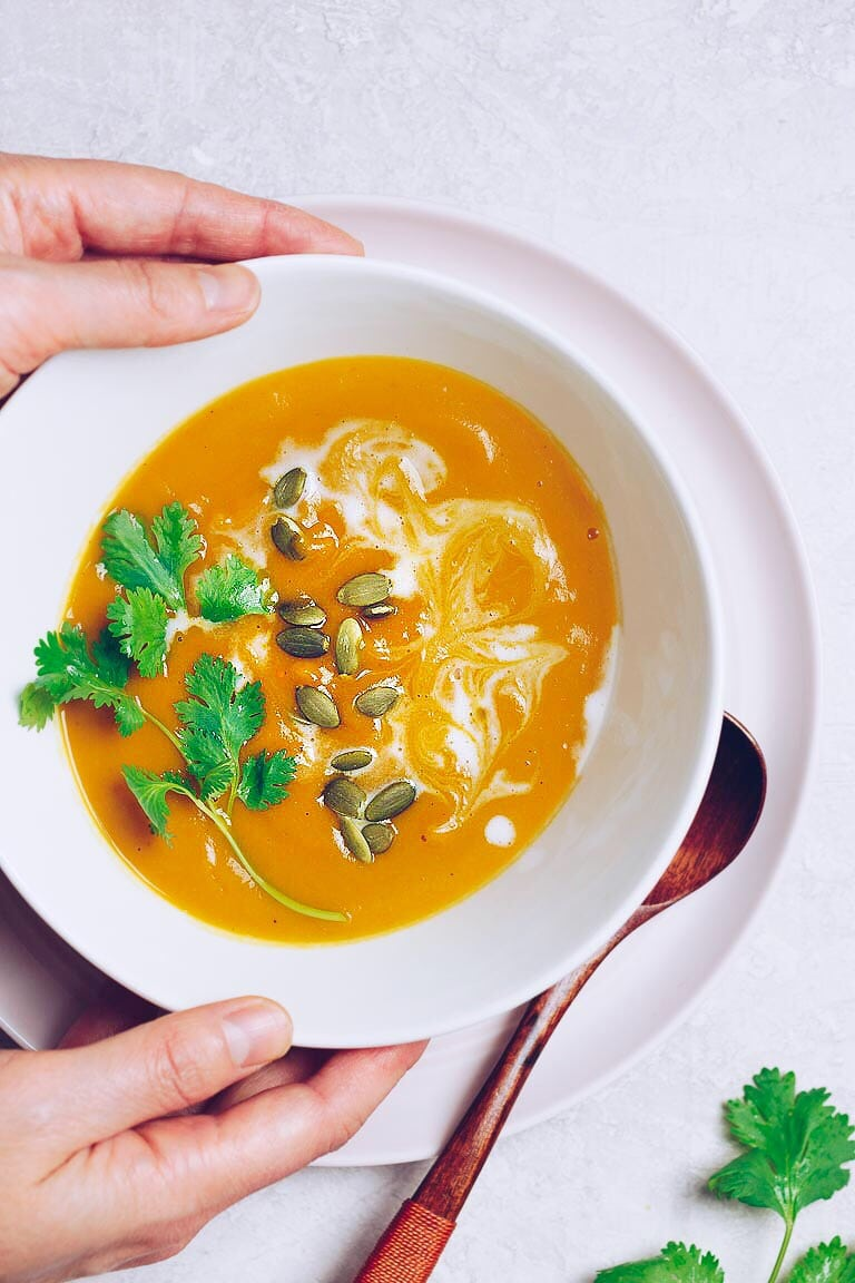 Paleo Blender Pumpkin Soup recipe with canned pumpkin and coconut milk, sweetened with natural apple juice.