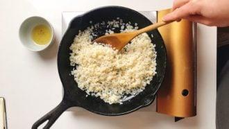 Add konjac rice for stir-fried rice