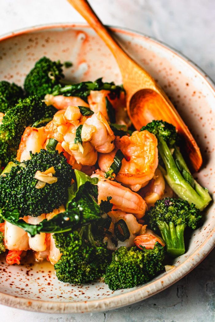Chinese shrimp and broccoli stir-fry recipe in ginger garlic sauce I Heart Umami.
