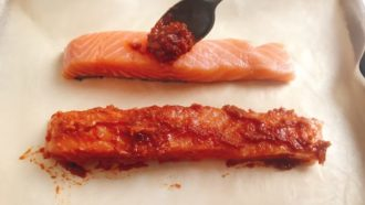 Glaze the sauce all over salmon fillets