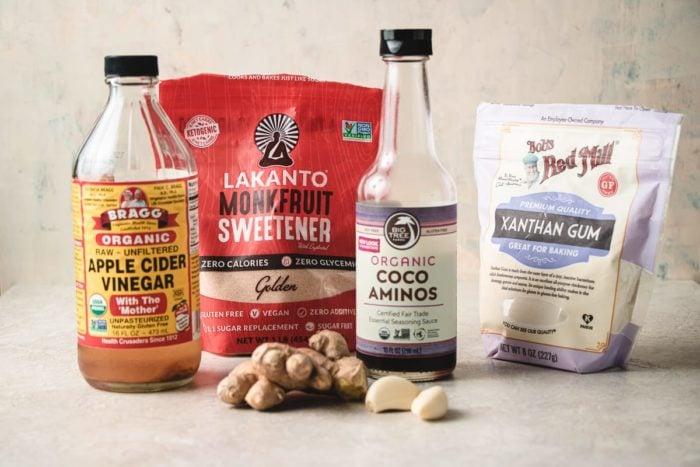 The ingredients to make low carb teriyaki sauce